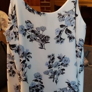 COPY - Pretty spring flowy top!
